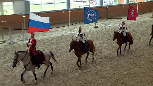 Кремлевские кавалеристы покажут Елизавете II мастерство джигитовки