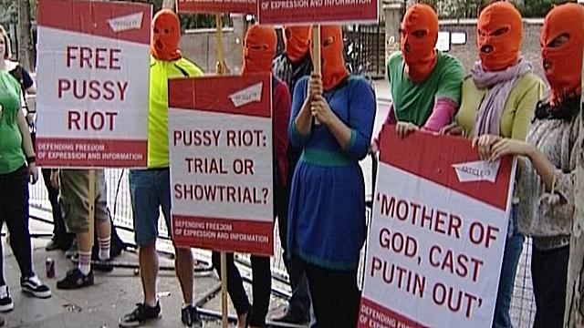 Европейские сторонники Pussy Riot разгневали служителей Бога