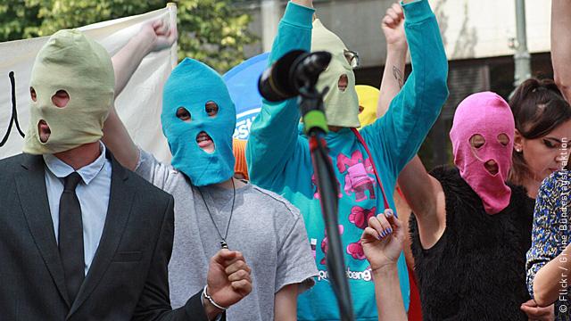 Немецкие сторонники Pussy Riot помолятся о них в Берлине