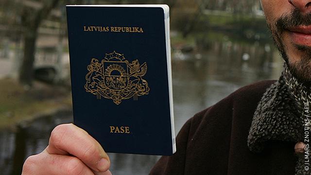Латвия может выдать европейские паспорта «российским латышам»
