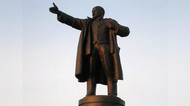 Путину предложили соорудить «коммунистический храм» для Ленина