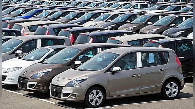 Продажи Renault в России растут, а у «АВТОВАЗА» падают