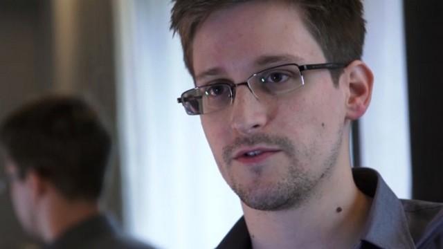 Разоблачителю секретов ЦРУ намекнули на возможность убежища в России