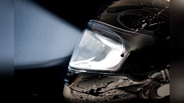 Умный шлем покажет мотоциклистам другую реальность