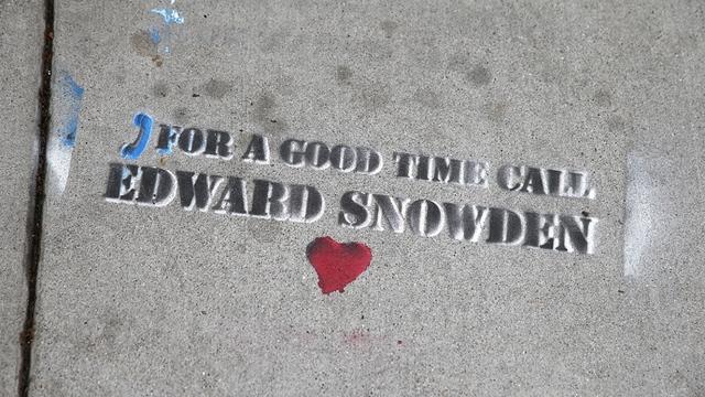 Forbes: Западным СМИ нужен Сноуден, а не его разоблачения
