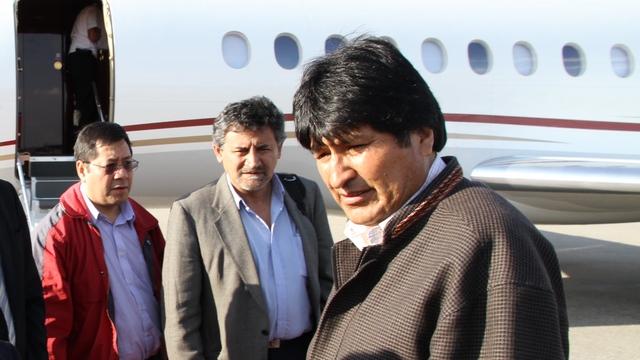 Боливийский министр возмущен «нападением» на Эво Моралеса