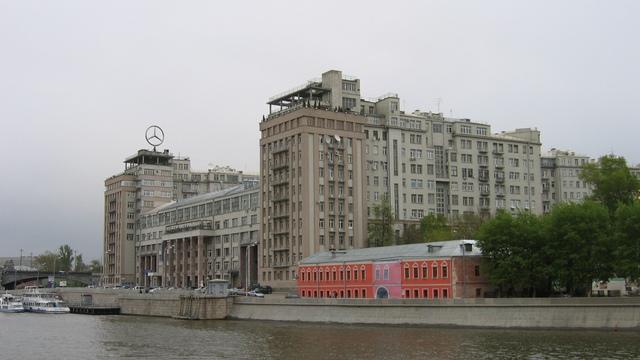 Bloomberg: Приближенных Путина расселили по-сталински