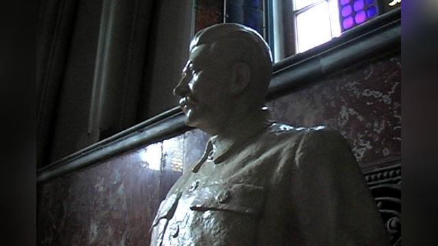 В Грузии осквернили памятник Сталину