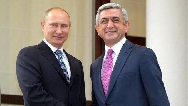 TNI: Чем Армения ближе к России, тем дальше от нее Азербайджан