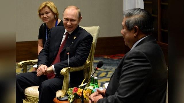 Президент Индонезии спел Путину на день рождения