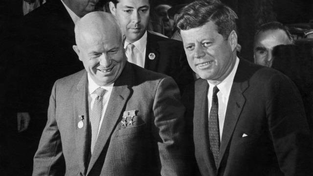 Daily Mirror о возможных убийцах Кеннеди: от Освальда до Хрущева