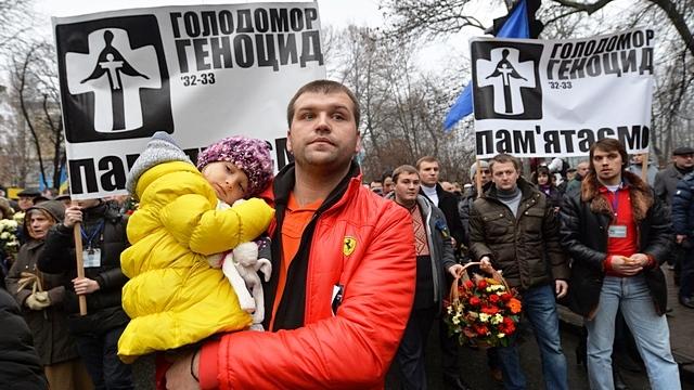 Le Parisien: Киевляне почтили память жертв «сталинского геноцида»