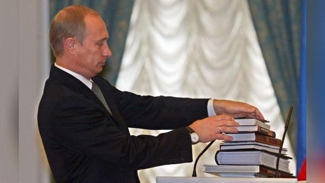 NYT: Владимир Путин и его «общество мертвых поэтов»