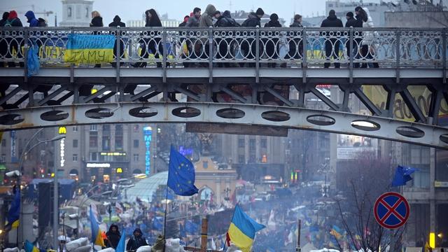 За страх или за совесть: что движет участниками двух «майданов» в Киеве