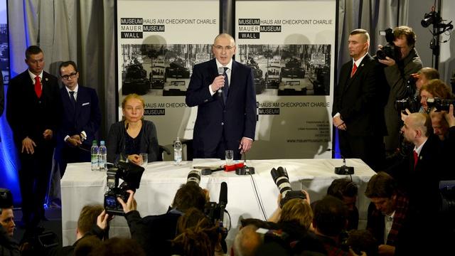 The Guardian: Оппозиция разочарована отказом бывшего олигарха от политики