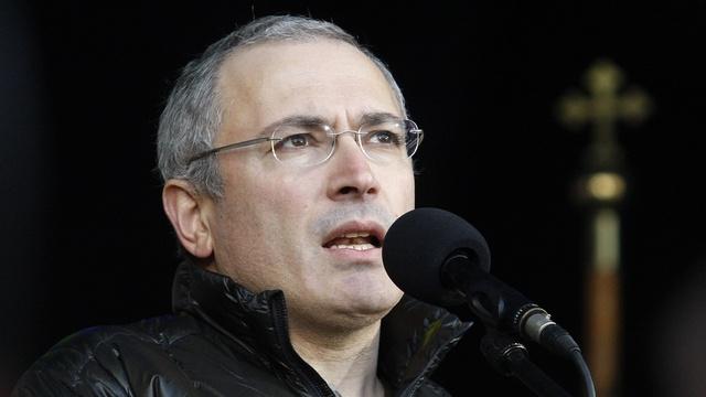 На Майдане Ходорковского встретили как родного