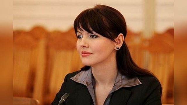 Daily Mail: Министр-супермодель призывает Путина «завоевать ее страну»