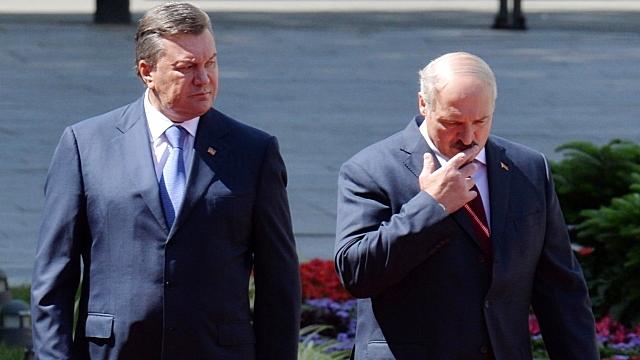 Лукашенко: Янукович должен был принести себя в жертву