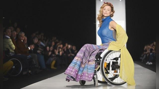 В России представили стильную одежду для инвалидов