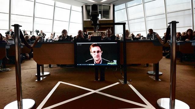 The Times: «Предатель» Сноуден помог России захватить Крым