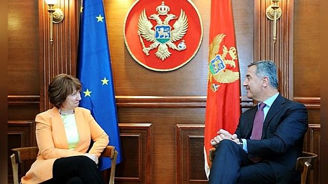 Черногорцев предлагают «демократизировать» с помощью НАТО