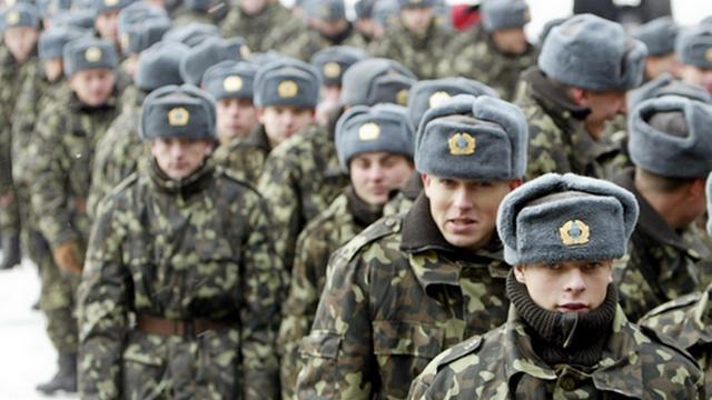 На Украине возобновлен призыв в армию