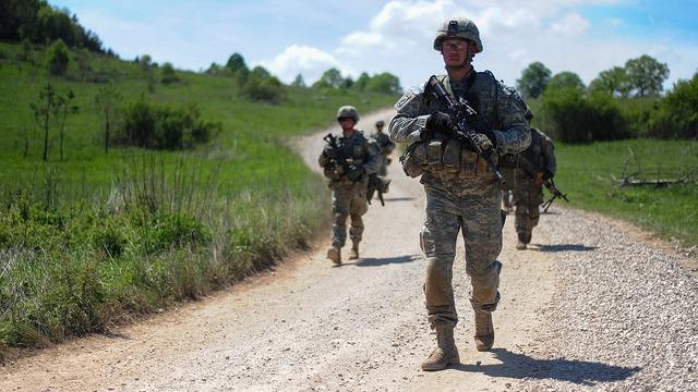 Немецкие СМИ: Против ополченцев на Украине воюют наемники из США