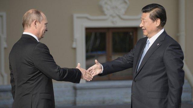 Экс-посол КНР: Политика США сближает Китай и Россию