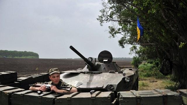 HuffPost: SMS-пожертвования помогли украинской армии морально