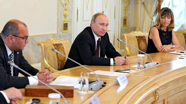 Владимир Путин призвал не вешать на Россию ярлык имперских амбиций