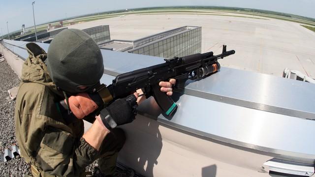 В районе донецкого аэропорта идет ожесточенный бой