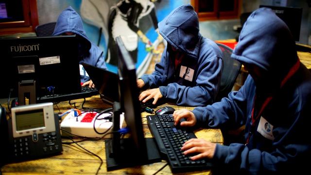 Rzeczpospolita: «Кремлевские тролли» атакуют Запад на деньги россиян