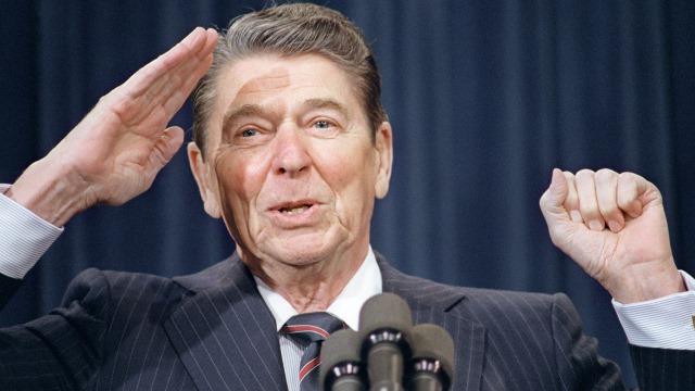 WSJ советует Обаме учиться победам над Россией у Рейгана