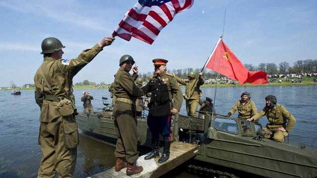 Slate: Советская победа превратилась для французов в американскую