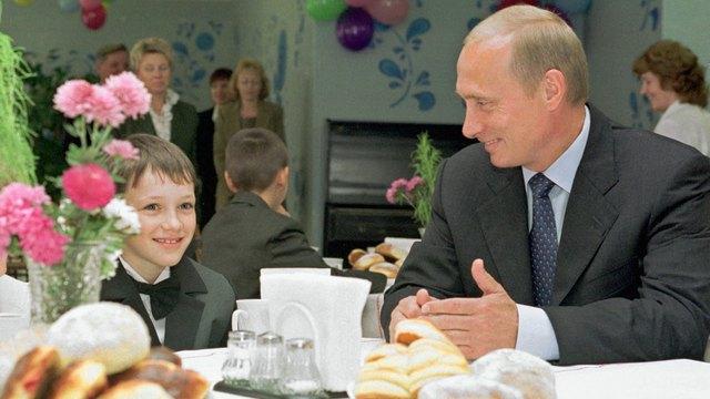 Independent: Обедать с Путиным стало небезопасно