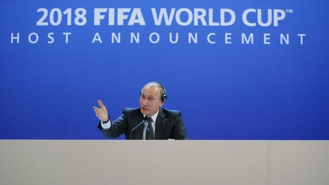 ФИФА не намерена лишать Россию права проведения ЧМ по футболу