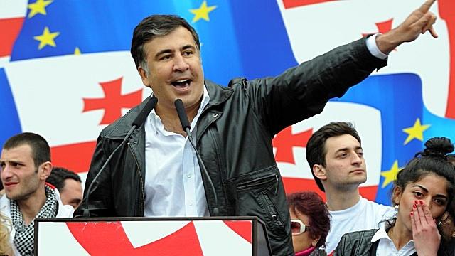 Forbes призывает не выгораживать Саакашвили по прихоти Маккейна