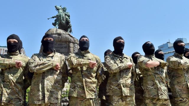Local: Иностранные нацисты воюют на Украине не ради демократии