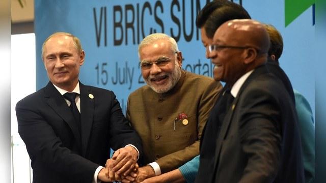 Bloomberg: Для многих мировых лидеров Путин стал эталоном