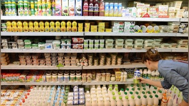 Guardian: Запрет на западные продукты расколол российское общество