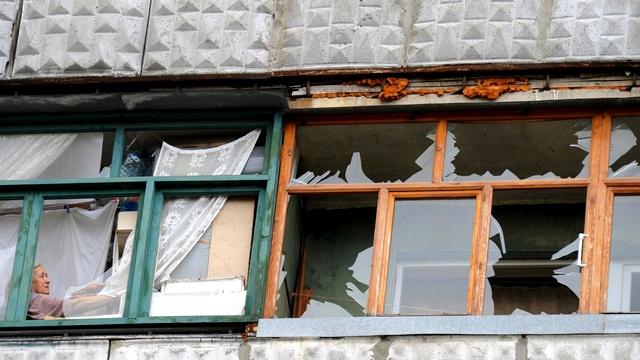 Жители осажденного украинского города хоронят мертвых во дворах и огородах