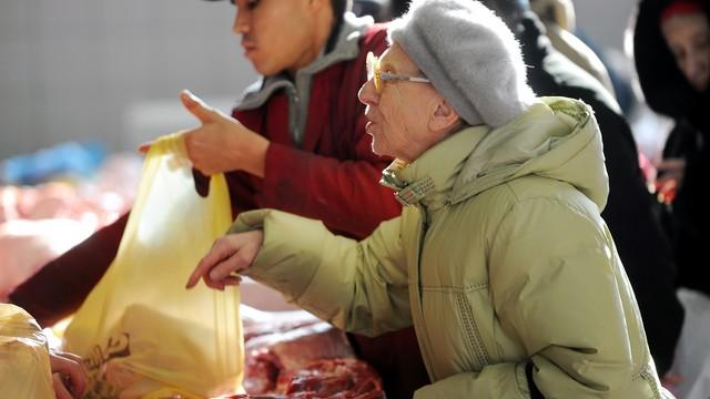 Россияне скупают западные продукты, опасаясь возврата советских времен