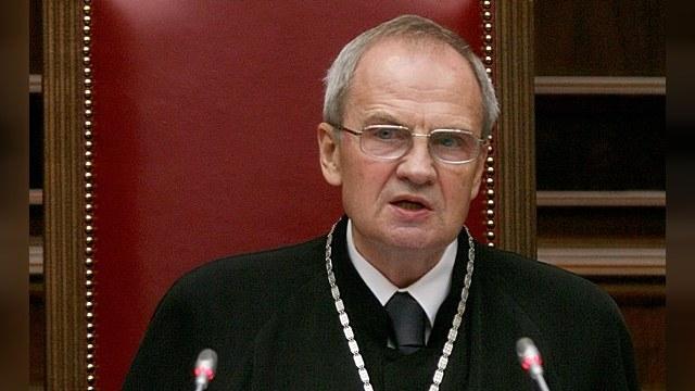 Девятый канал: Главный судья РФ «оправдал» крепостное право