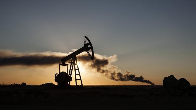 Эксперты: При низких ценах на нефть России хватит денег на 3-4 года