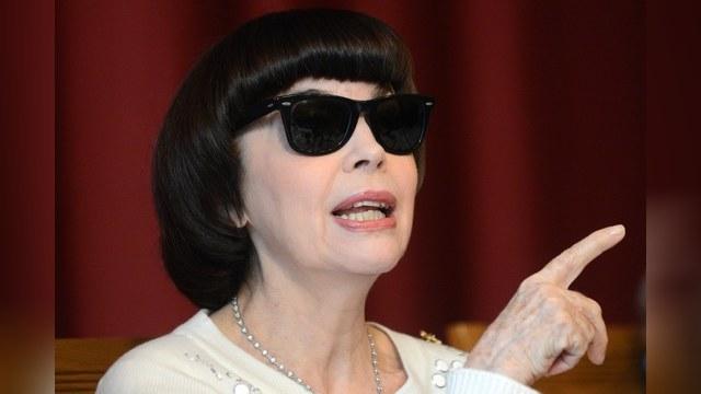 Voici.fr: Мирей Матье не стыдится, что пела для Путина и Каддафи