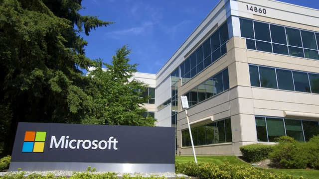 NYT: Аркадий Ротенберг отпугнул Microsoft от «Просвещения»