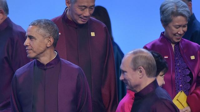 Песков: В Пекине Путин и Обама лишь перекинулись парой фраз