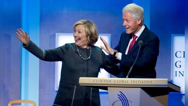 Робертс: Клинтоны в Белом доме «доиграются» до войны с Россией
