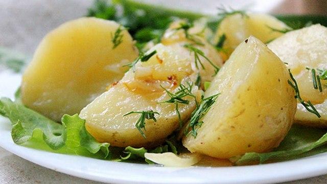 Американскую журналистку впечатлила картошка с укропом из путинского меню