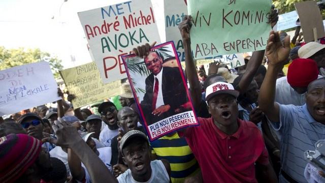 BBC: Демонстранты на Гаити позвали Путина на помощь